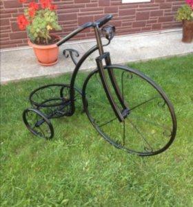Декоративный велосипед с подставкой под цветы