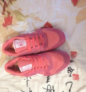 Обувь ,кроссовки