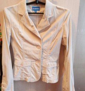 Пиджак микровельветовый,размер 42-44