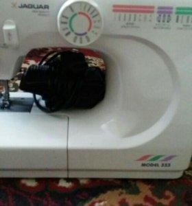 Машинка швейная.
