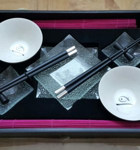 Набор посуды на 2 персоны. Alice Wong