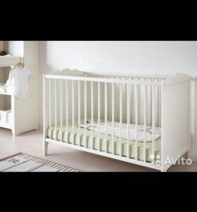 Кровать, матрас, белье