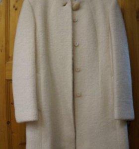 Пальто шерсть новое.