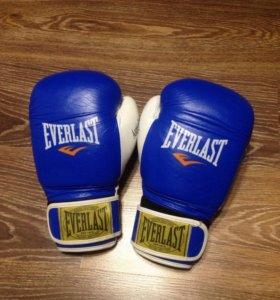 Боксерские перчатки + бинты everlast