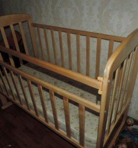 Кроватка (без матраца)