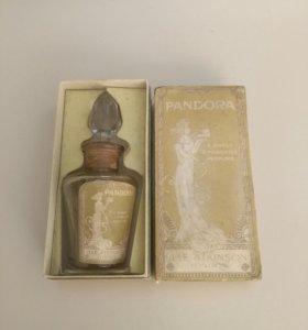 """Флакон духов """"Пандора"""" в коробке."""