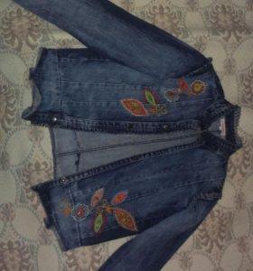 Джинсавая куртка стильная на девочек 11-12лет