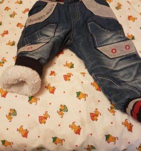Джинсы на мальчика 5-6 месяцев