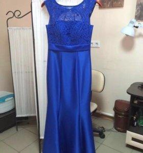 Продаётся красивое вечернее платье