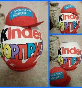 Киндер яйцо.упаковка для конфет или игрушки