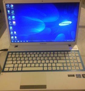 Samsung NP300V5A-S0KRU Core i3