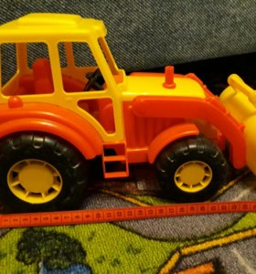 Трактора из пластика и металла
