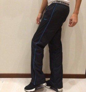 Спортивные штаны Nike, оригинал.
