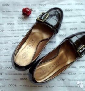 Лакированные туфли с пряжкой