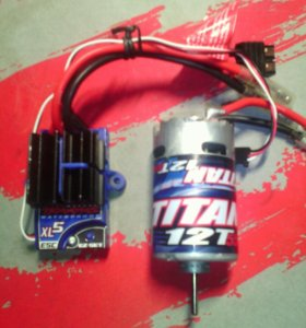 Регулятор оборотов и двигатель TRAXXAS.