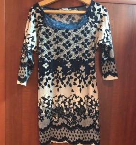 Платье с синим кружевом 44-46р