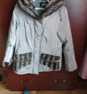 Женская куртка 50 размер.