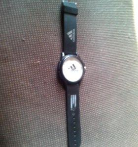 Часы тока нужна батарея в хорошом состояние