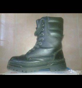 Продам берцы 40р Продам женские ботинки 39 р. Зима