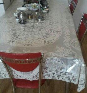 Стол стеклянный и 6 стульев.