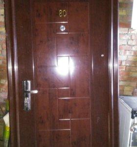 Дверь входная,правая,разм:90-h2м