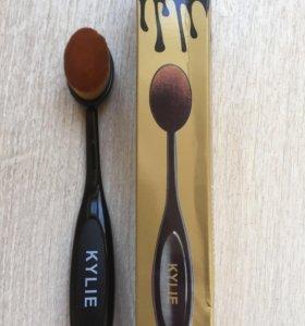 Кисть-щеточка для макияжа