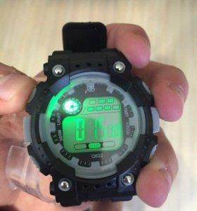 Новые наручные часы с подсветкой