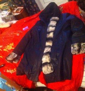 Пальто с меховой оборкой