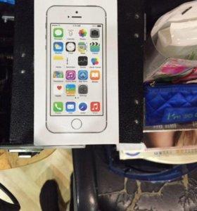 Айфон 5 s  32 гб