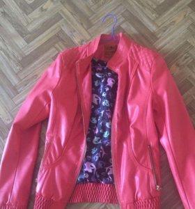 Продам новые куртки