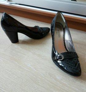 Туфли, 35, лаковые, новые, натуральн.