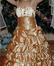 Продаётся платье на шнуровке,возраст от 6- 10лет