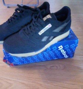 Новые кроссовки Reebok classic 42 размер.