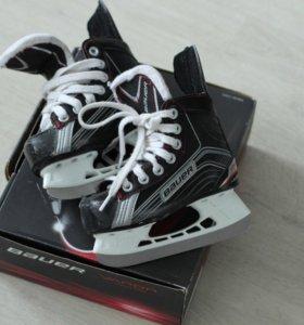 Хоккейные коньки 27р-р