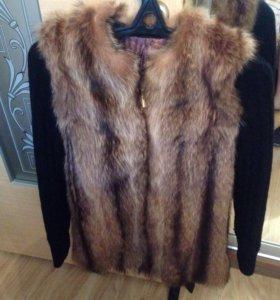 Куртка-жилетка из енота