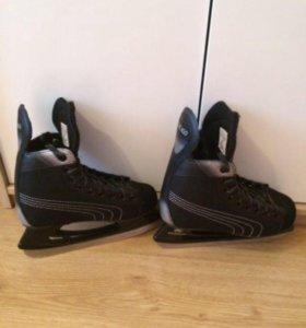 Хоккейные коньки р.38