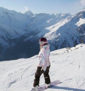 Сноубордическая куртка + штаны, варежки в подарок