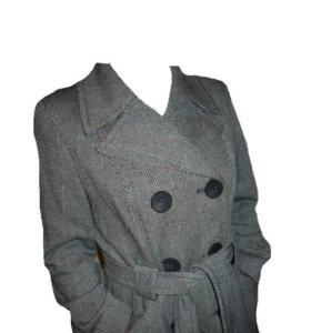 Тёплое осеннее женское пальто