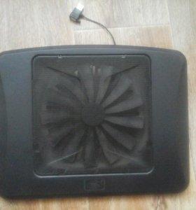 Охлаждающая подставка для ноутбука.