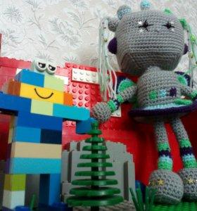 Вязаная игрушка роботесса-феечка