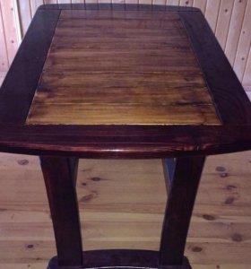 Стол кухонный из натурного дерева