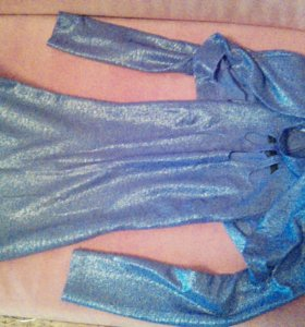 Платье фиолетово вечернее в пол,с разрезом на ноге