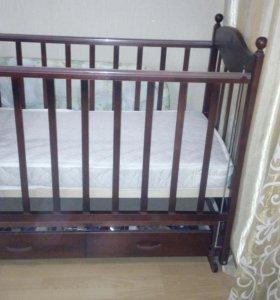 Детская кроватка с продольным маятником+матрас