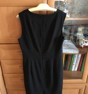 Платье чёрное,облегающее