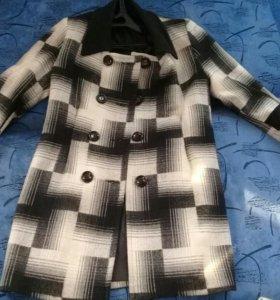 Пальто новое р-р 48-50