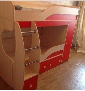 Двухъярусная кровать с пеналом
