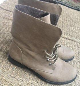 Ботинки 38 - 39