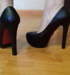 Туфельки на каблуках