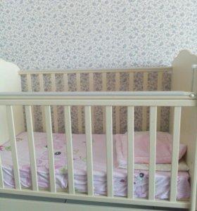 Детская кроватка -трансформер .