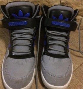 Кроссовки adidas оригинальные